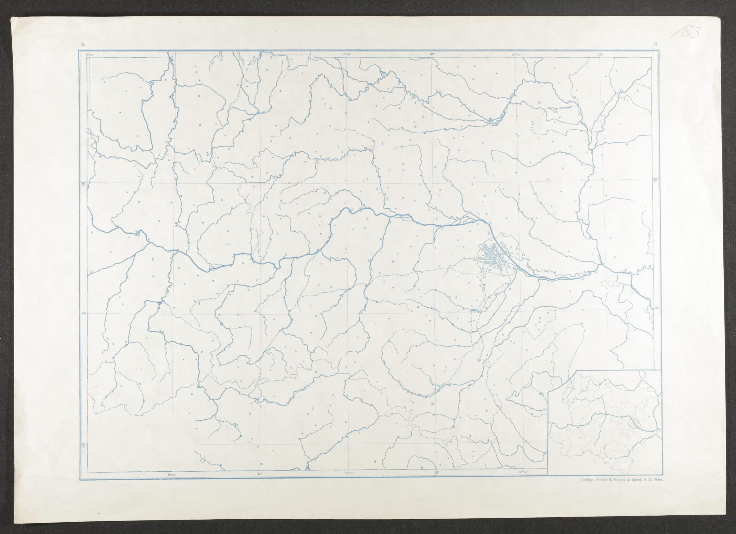 Die Abbildung zeigt den Scan einer Landkarte. Mit Linien sind Wasserläufe eingezeichnet, kleine Symbole verweisen auf Markierungspunkte im Raum. In der rechten Kartenhälfte ist Wien als Ansiedlung eingezeichnet, weitere Ortschaften oder Grenzverläufe werden nicht ausgewiesen.